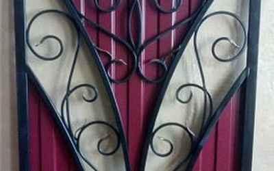 Забор с элементами художественной ковки оказываем услуги
