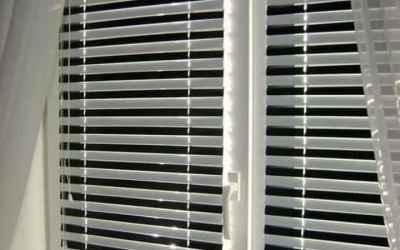 Установка пластиковых окон, остекление балконов оказываем услуги