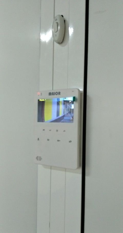 Профессиональная установка видеодомофонов оказываем услуги