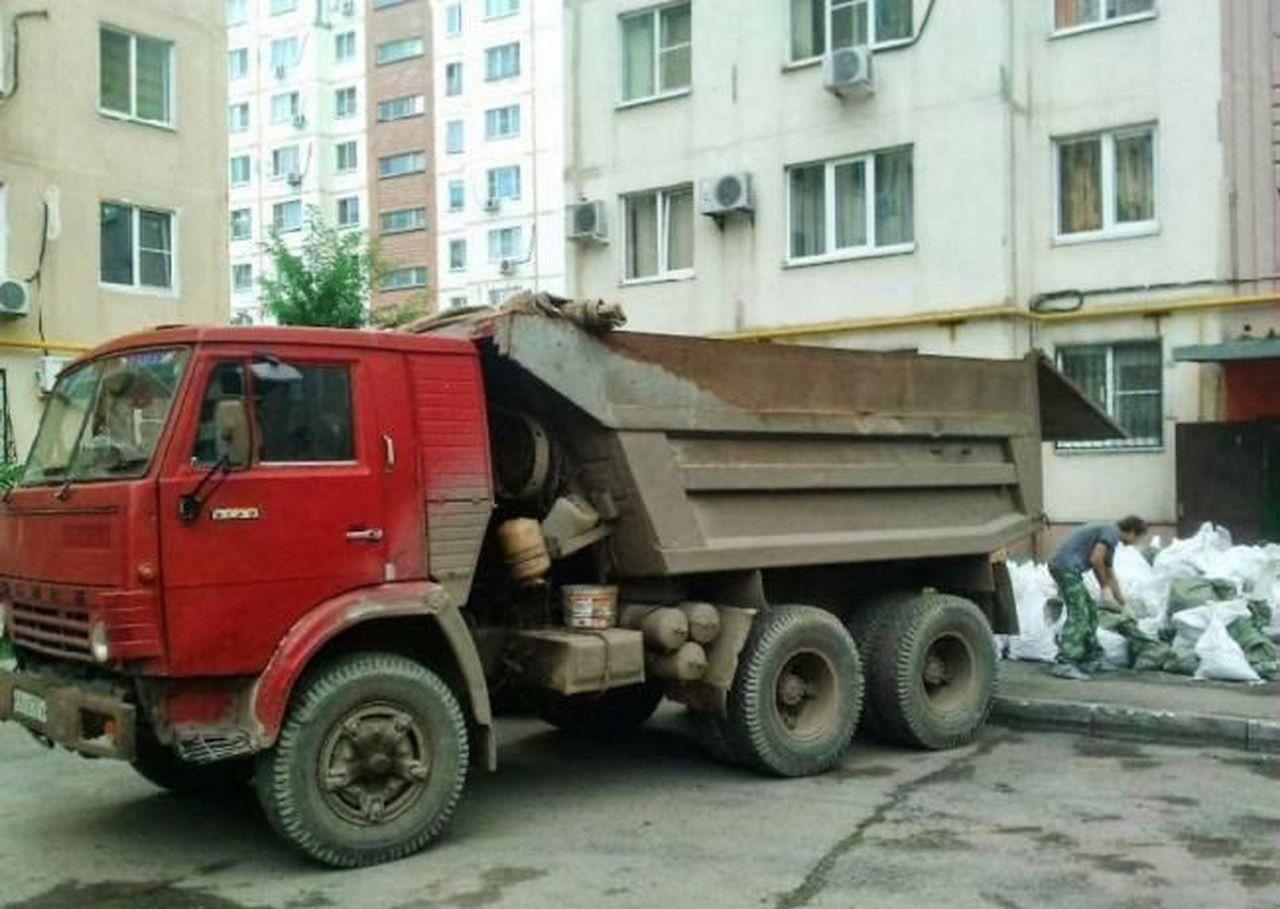 Камаз для вывоза строительного мусора оказываем услуги