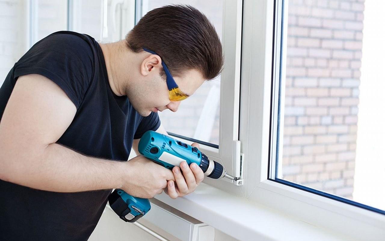 Установка и ремонт пластиковых окон оказываем услуги